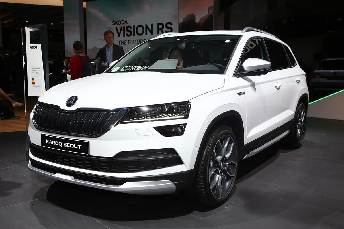hot skoda kodiaq off road karoq debut in paris the car expert. Black Bedroom Furniture Sets. Home Design Ideas