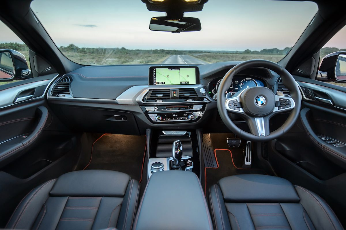 2019 BMW X4 M Sport dashboard