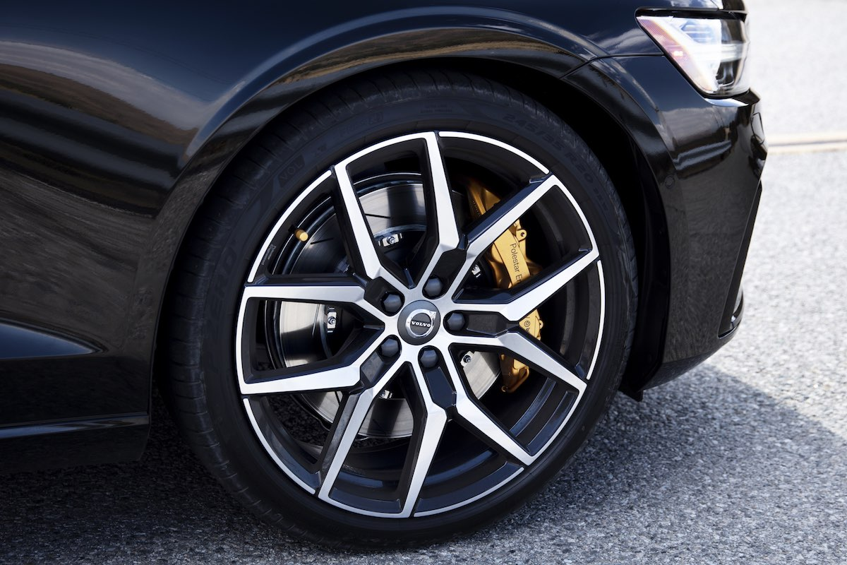 Volvo S60 T8 Polestar Engineered wheels and brakes