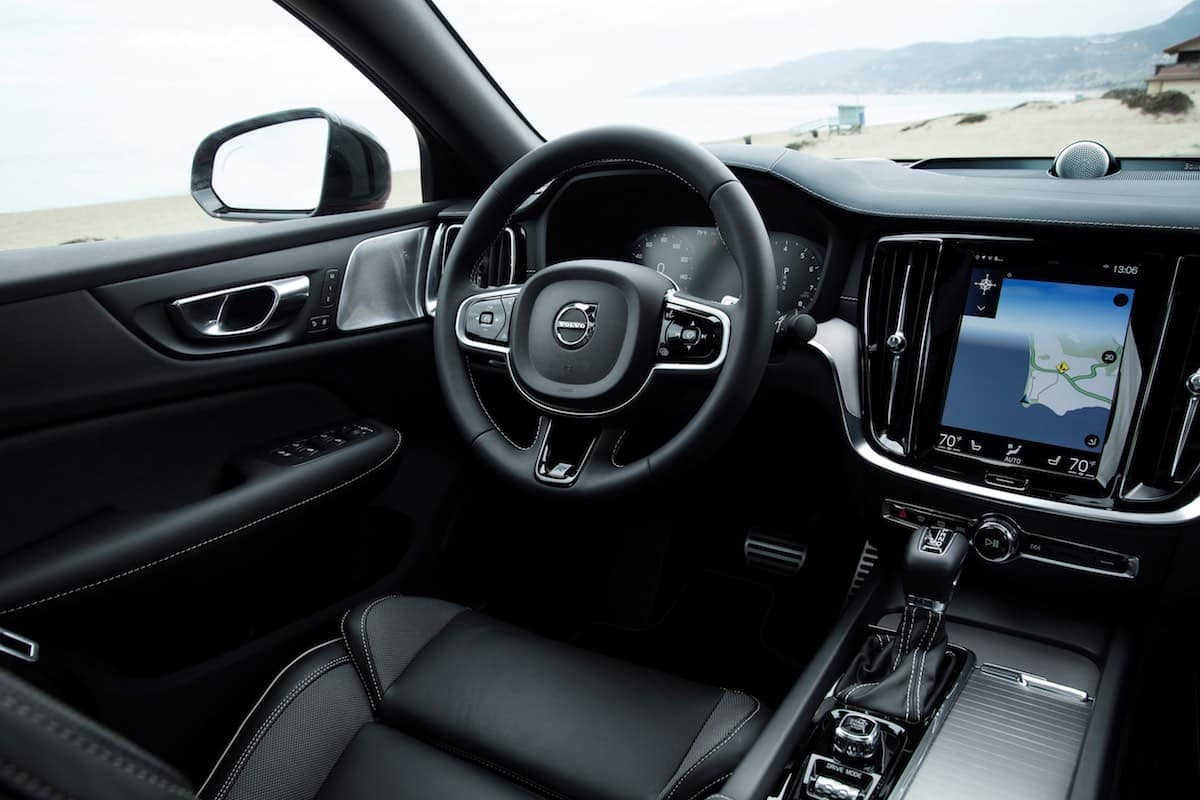 2019 Volvo S60 dashboard | The Car Expert