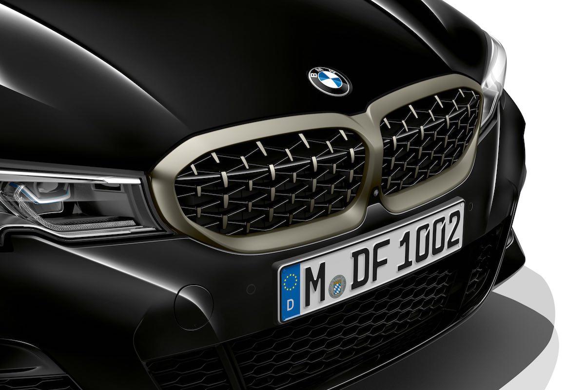 BMW M340i grille mesh