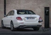 Mercedes-Benz E 300 de plug-in hybrid opens for ordering