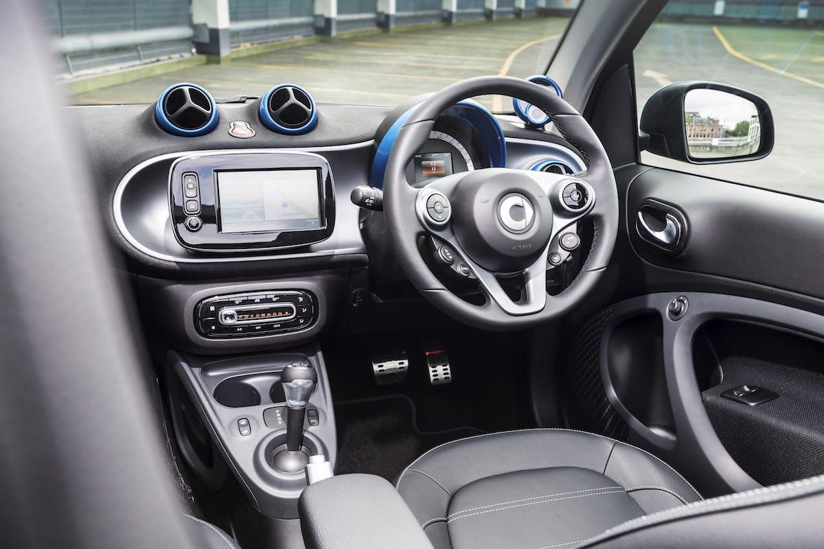 2019 Smart EQ ForTwo Cabriolet dashboard