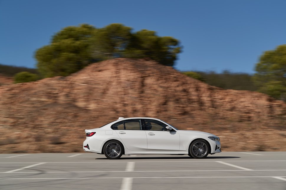 2019 BMW 3 Series side profile | The Car Expert