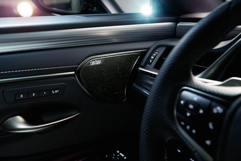 New Lexus ES delivers audio excellence with world-first Mark Levinson PurePlay sound system concept