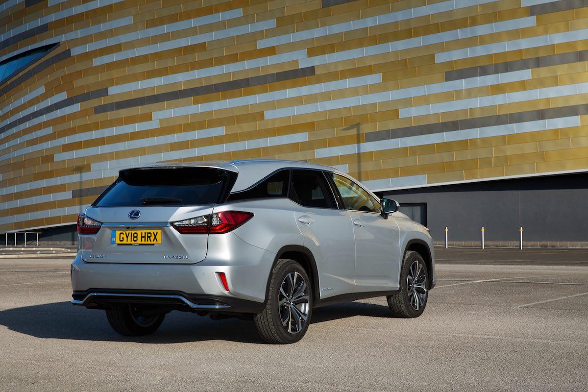 Lexus RX L exterior - rear
