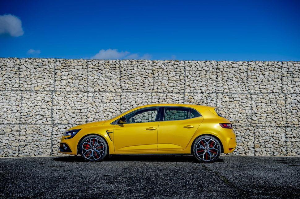 Renault Megane RS Trophy side profile
