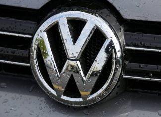 Volkswagen bonnet badge