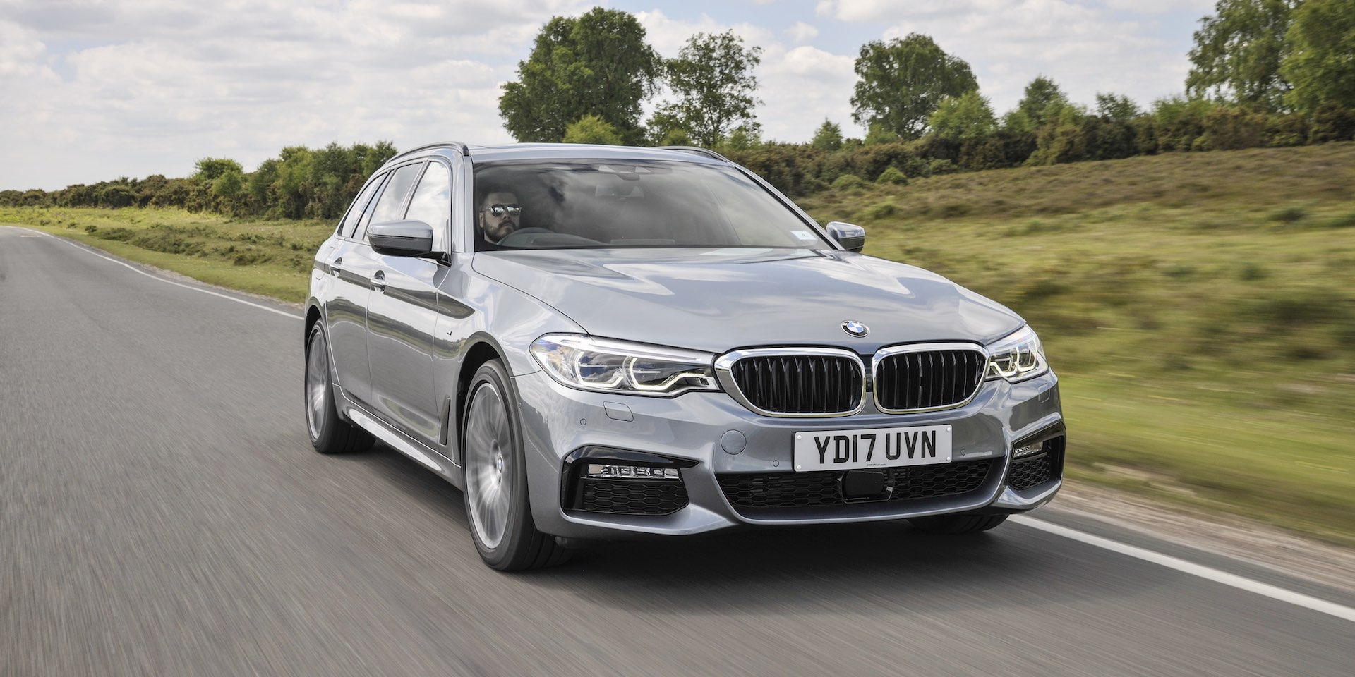 2019 Bmw 530i Touring Test Drive New Car Reviews The Car Expert