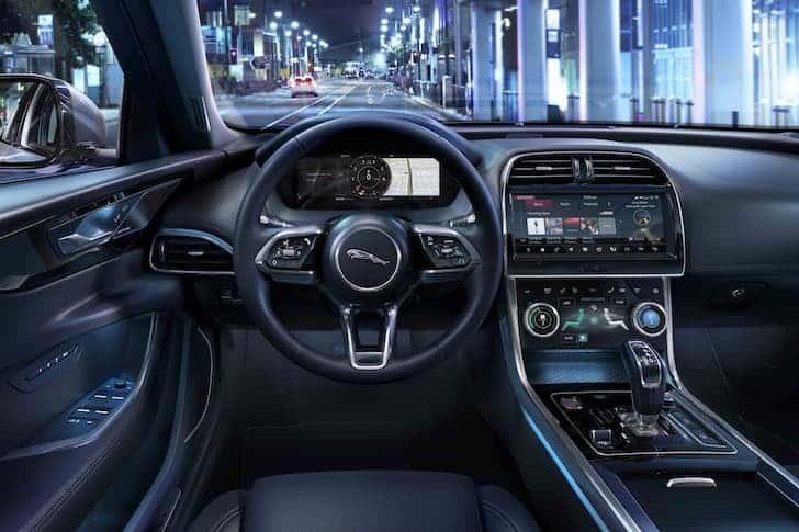 Jaguar XE MY20 dashboard | The Car Expert