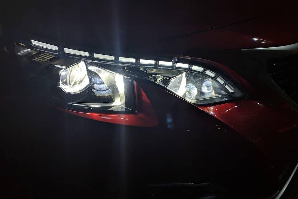 Peugeot 3008 LED headlights | The Car Expert