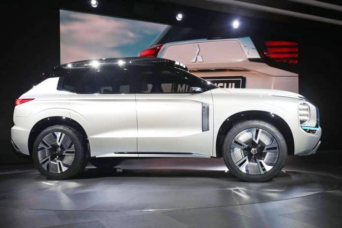 Geneva: Mitsubishi plots PHEV plans with Engelberg 1