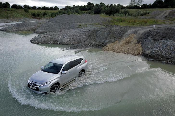Mitsubishi Shogun Sport wading 2019 | The Car Expert