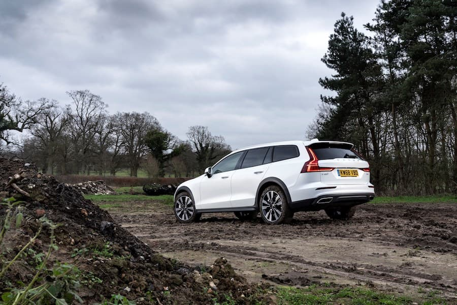 Volvo V60 Cross Country (2019) rear view | The Car Expert