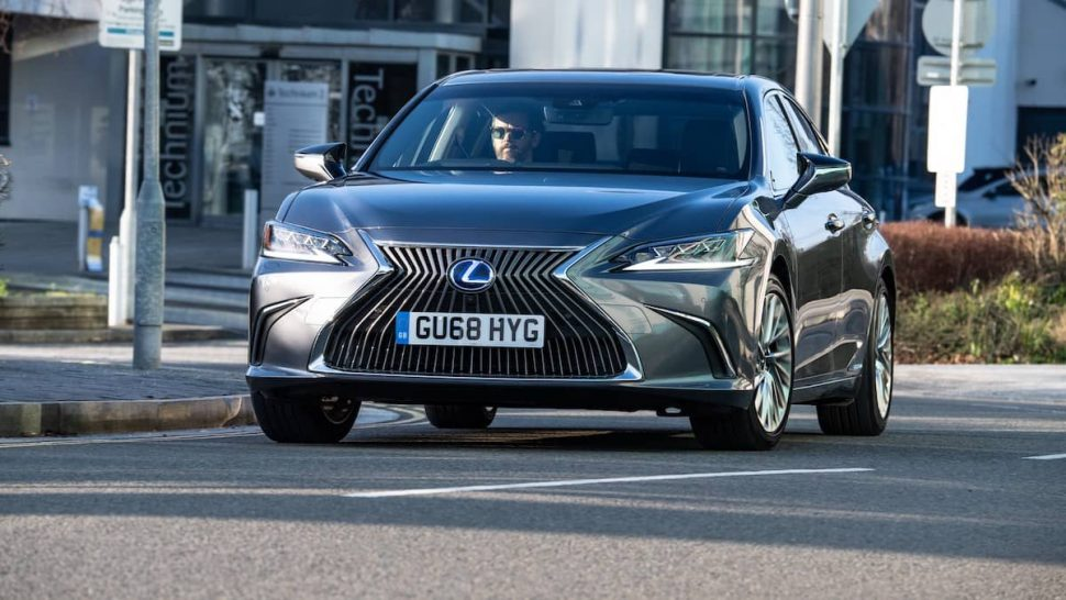 Lexus ES 300h (2019) ratings and reviews | The Car Expert