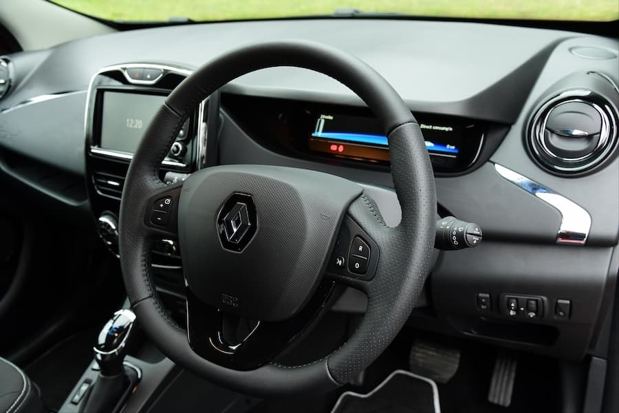Renault Zoe (2019) dashboard | The Car Expert