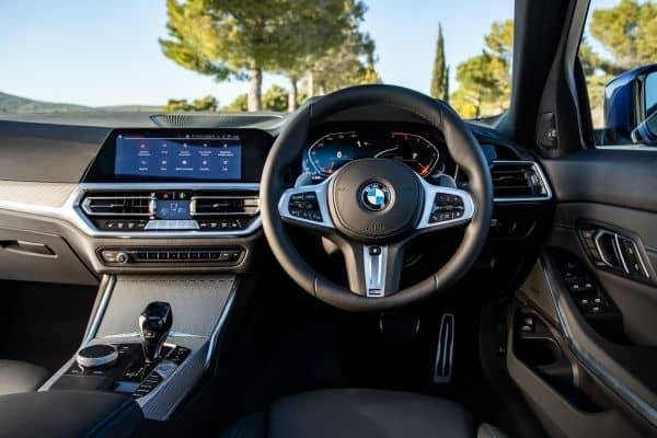 BMW 3 Series (2019) dashboard | The Car Expert