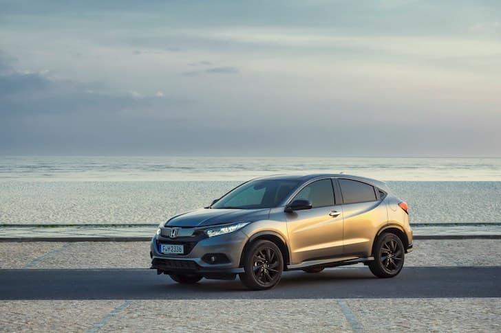 Honda HR-V Sport review (2019) front | The Car Expert