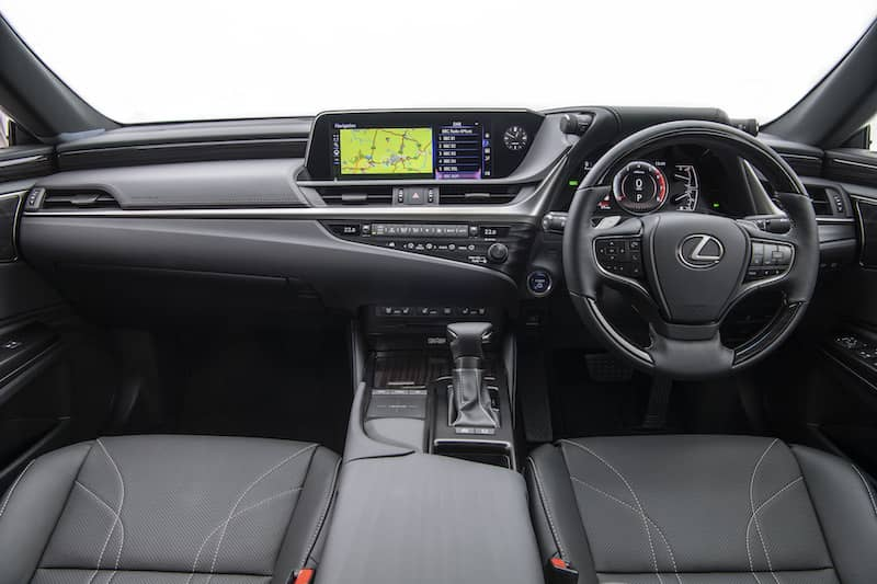 Lexus ES 300h (2019) dashboard | The Car Expert