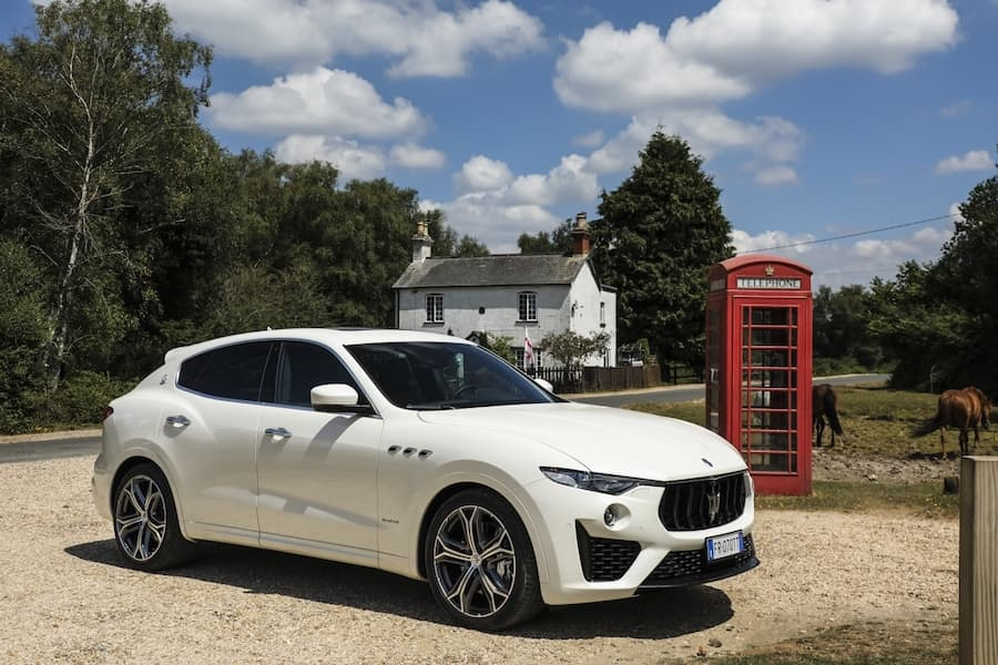 Maserati Levante (2016 - present) front view | The Car Expert