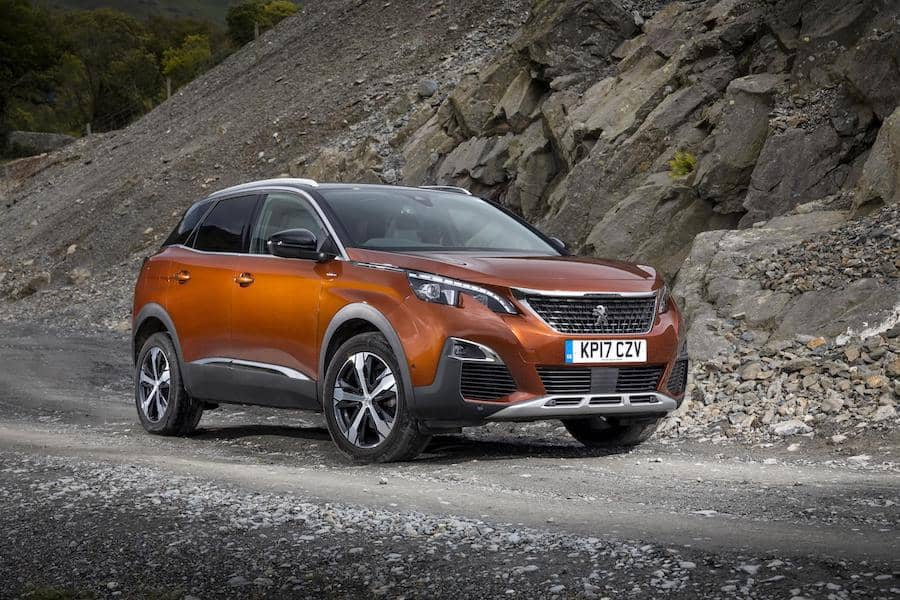 Peugeot 3008 (2017) front view | The Car Expert