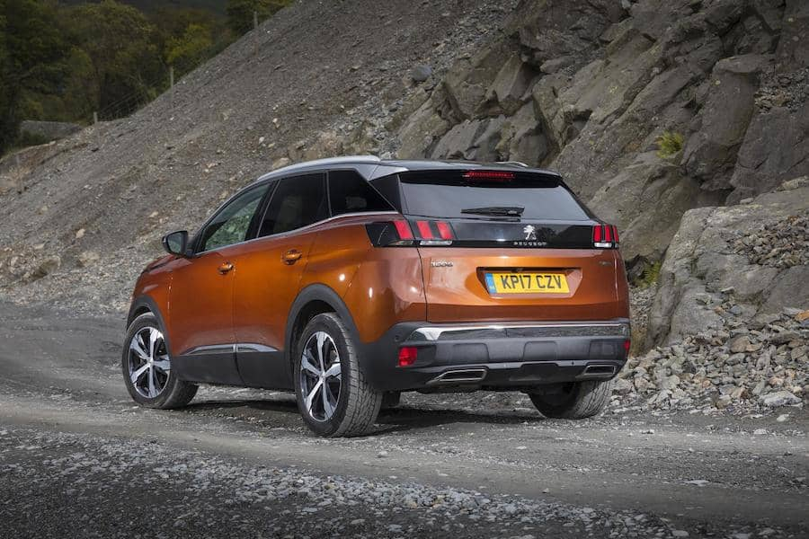 Peugeot 3008 (2017) rear view | The Car Expert