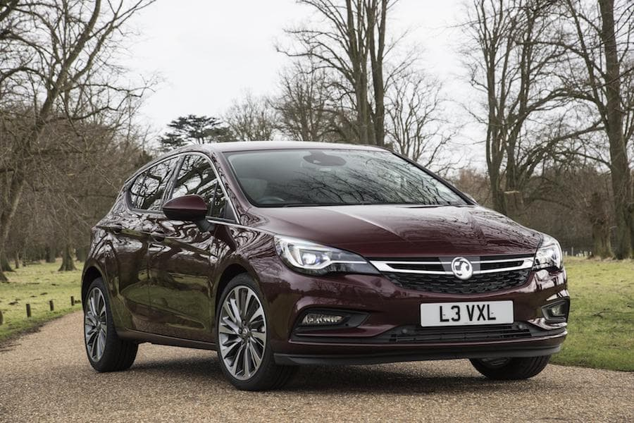 Vauxhall Astra hatch (2015 - present) front view | The Car Expert