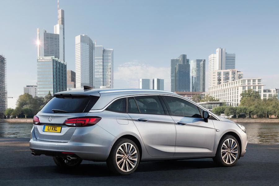 Vauxhall Astra estate (2015 - present) rear view | The Car Expert