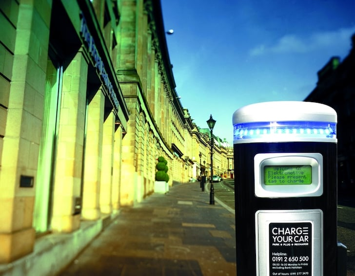 Electric car charging point with no car