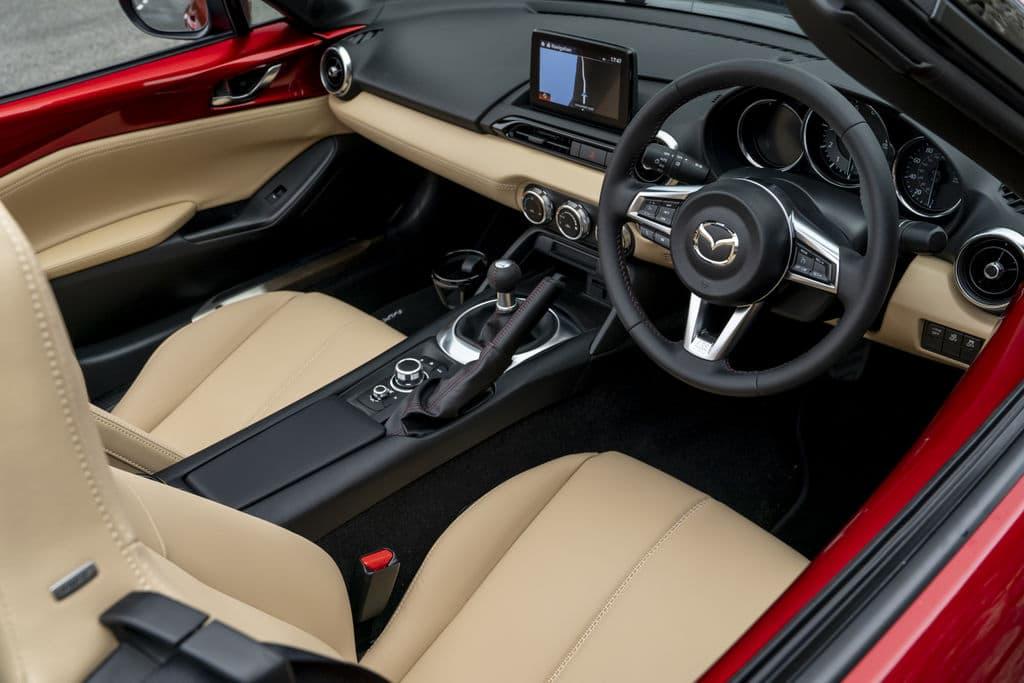 Mazda MX-5 (2018) interior and dashboard | The Car Expert
