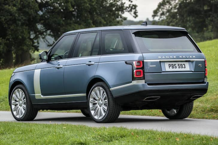 Range Rover SDV8 (2019) rear | The Car Expert