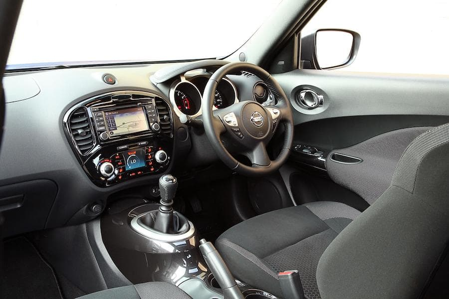 Nissan Juke (2010 - 2019) interior and dashboard | The Car Expert