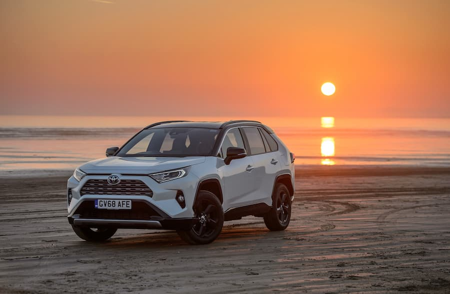 Toyota RAV4 Hybrid (2019 - present) front view | The Car Expert