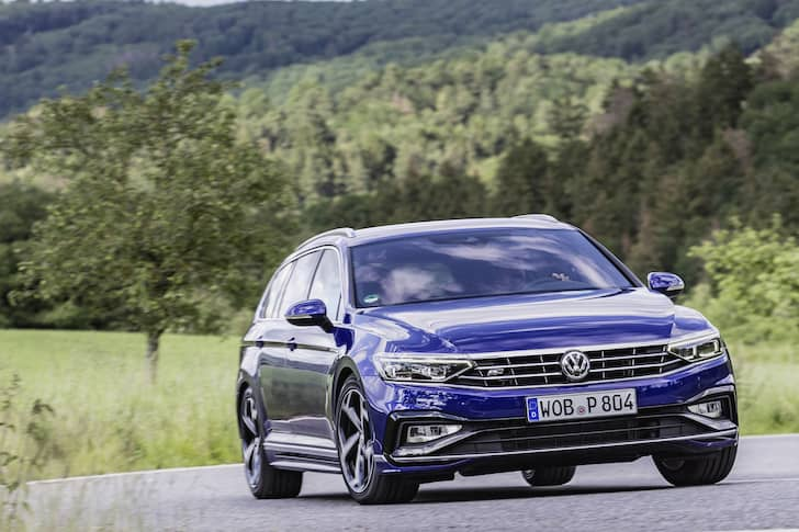 Volkswagen Passat estate road test 2019 - front | The Car Expert