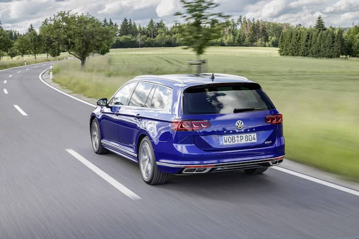 Volkswagen Passat estate road test 2019 - rear | The Car Expert