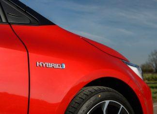 Toyota Corolla hybrid badge | The Car Expert