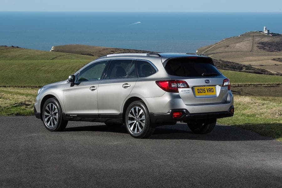 Subaru Outback (2015) rear view | The Car Expert