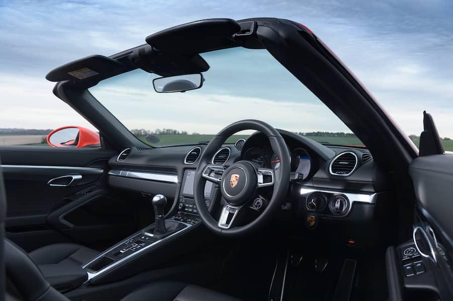 Porsche 718 Boxster (2016) interior and dashboard | The Car Expert