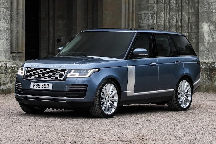 Range Rover (2013 - present) front view | The Car Expert