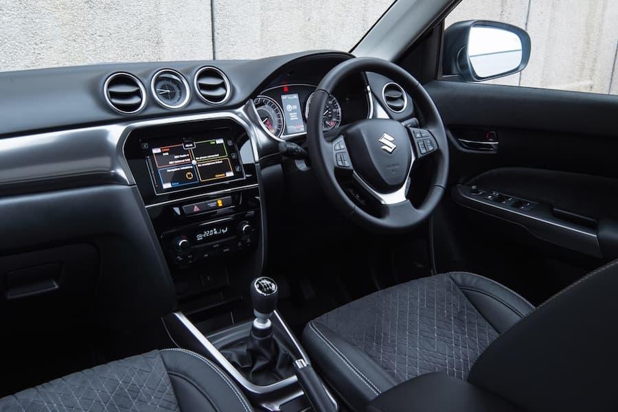 Suzuki Vitara (2019) interior and dashboard | The Car Expert