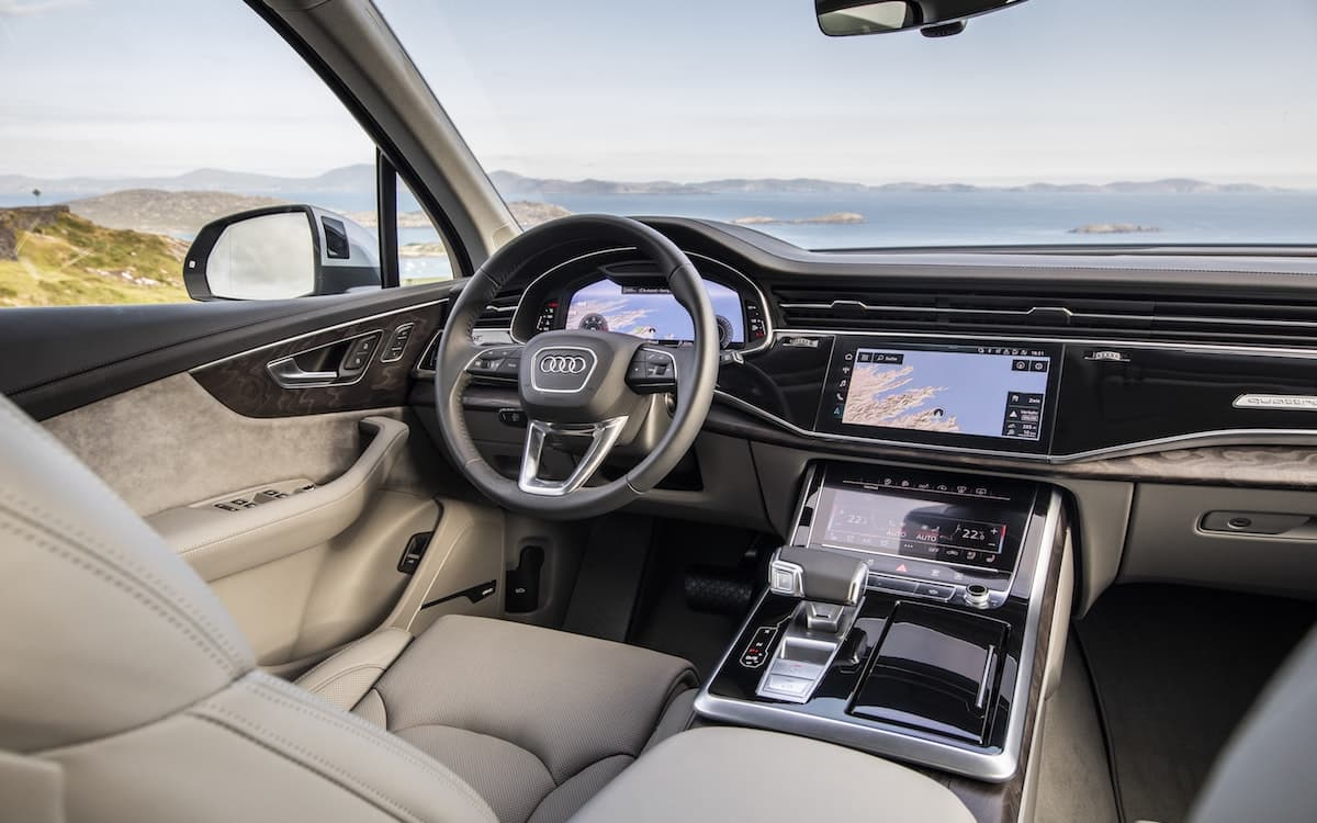 2020 Audi Q7 review - interior and dashboard | The Car Expert