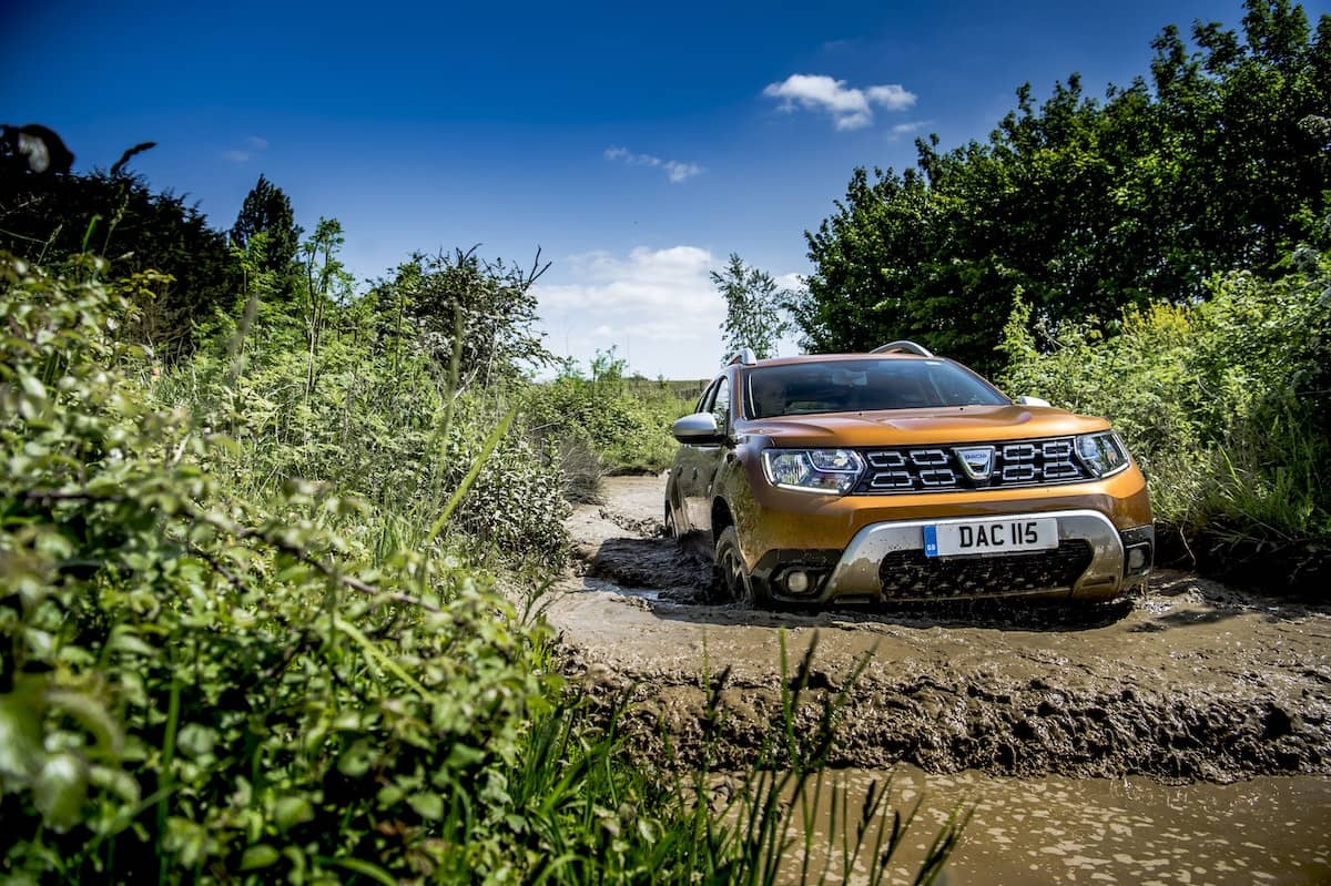 2019 Dacia Duster road test - wading | The Car Expert