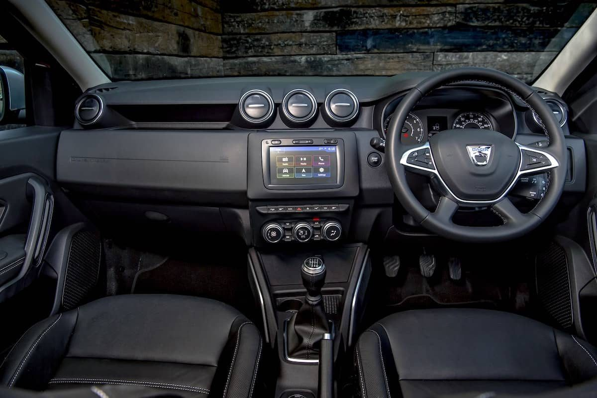 2019 Dacia Duster review - interior and dashboard | The Car Expert