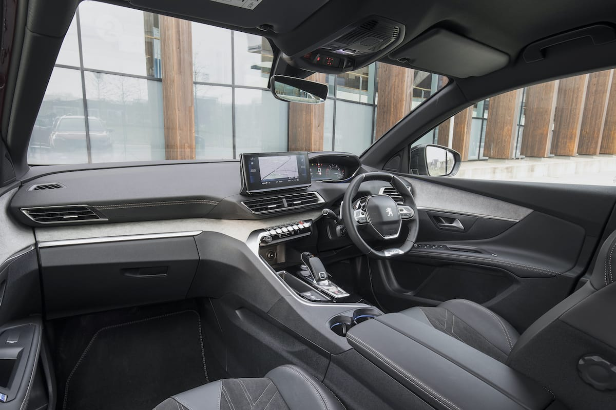Peugeot 5008 (2021 facelift) - interior and dashboard
