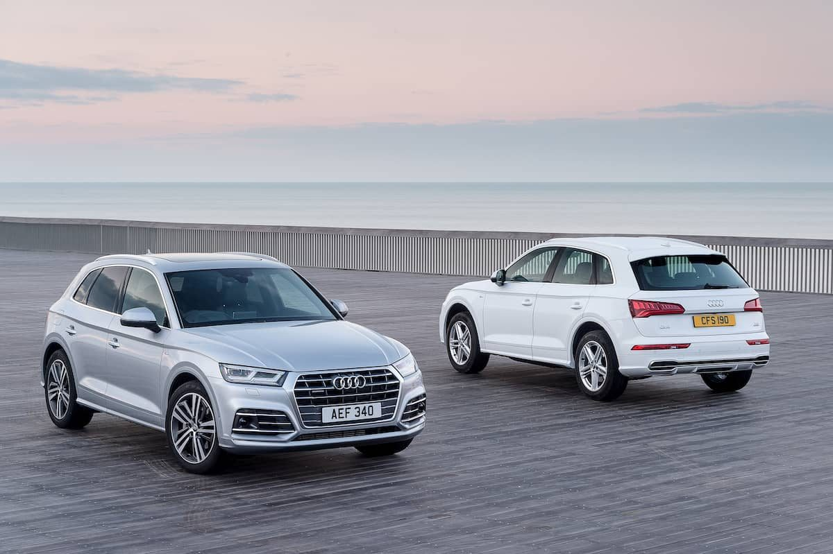 Audi Q5 (2017) front and rear view | The Car Expert