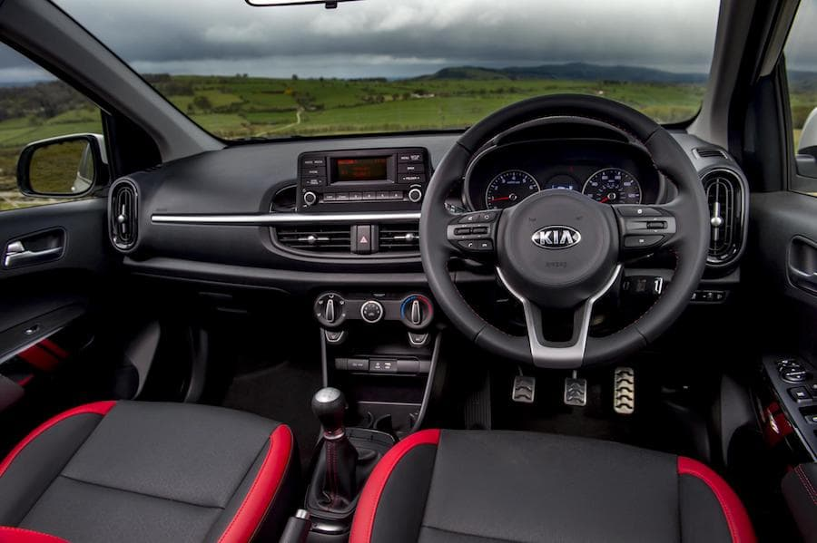 Kia Picanto (2018) interior and dashboard | The Car Expert