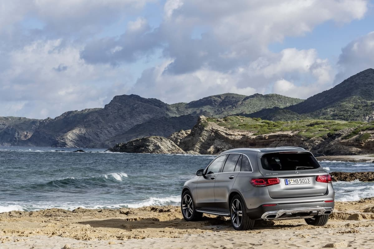 Mercedes-Benz GLC (2019) rear view | The Car Expert