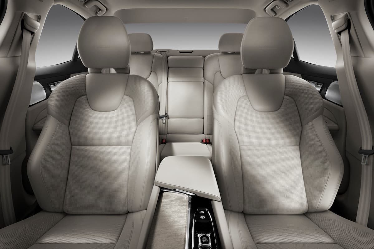 Volvo S60 range bolstered with plug-in hybrid powertrain 1