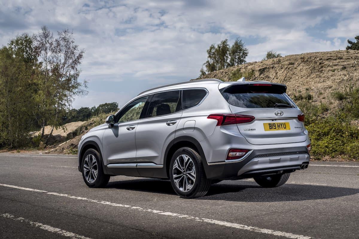 Hyundai Santa Fe (2018) - rear view | The Car Expert