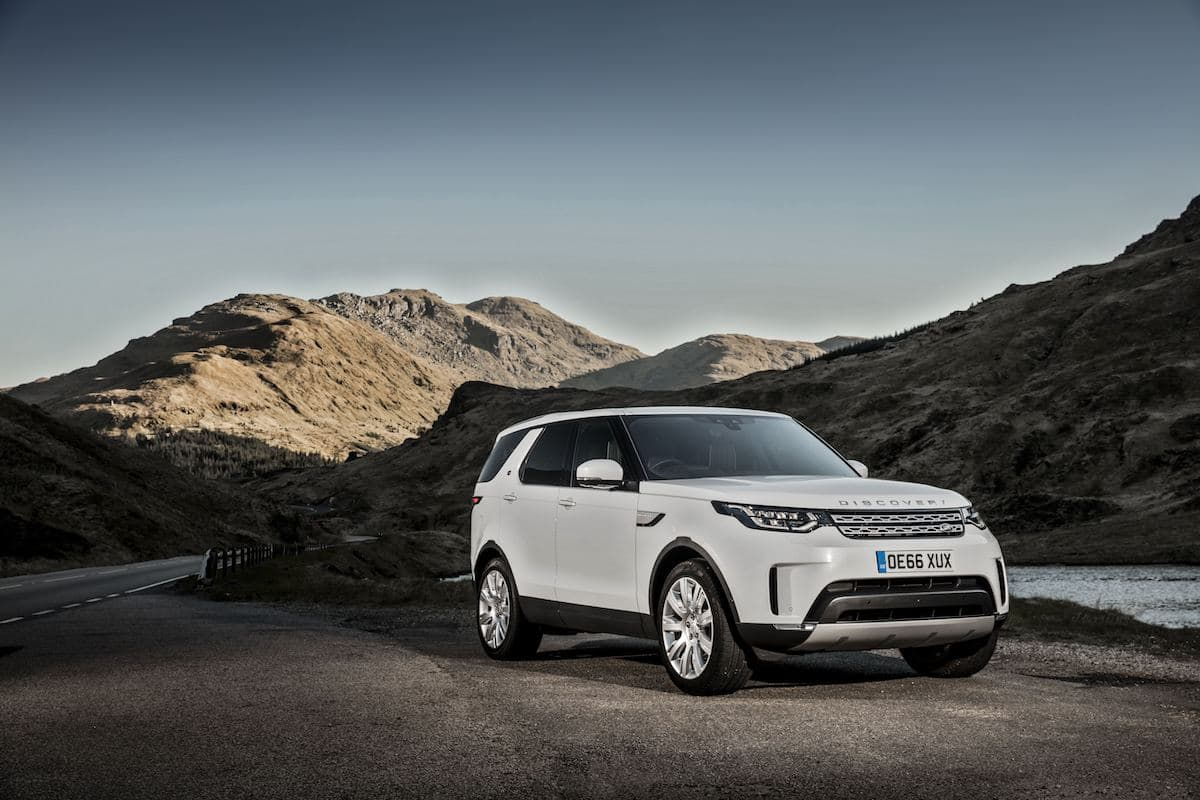 Land Rover Discovery 5 - front view | The Car Expert